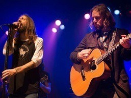 chris-e-rich-robinson-the-black-crowes-rock-na-veia