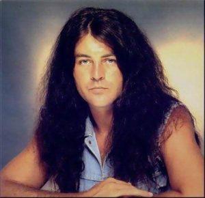 Ian Gillan teve uma breve passagem pelos vocais do Sabbath no anos 80