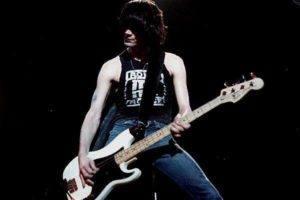 Dee Dee Ramone morto em 2002