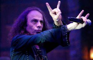 Ronnie James Dio foi o substituto de Ozzy Osbourne